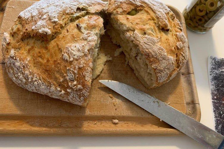 εύκολο ψωμί για παιδιά