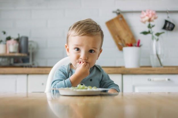 Εισαγωγή στερεών τροφών στην διατροφή του μωρού