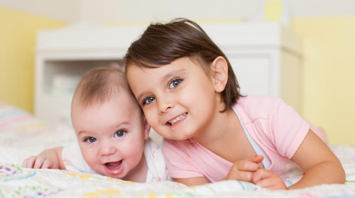 Πώς προετοιμάζω το παιδί μου να μοιραστεί το δωμάτιό του με το αδερφάκι του;
