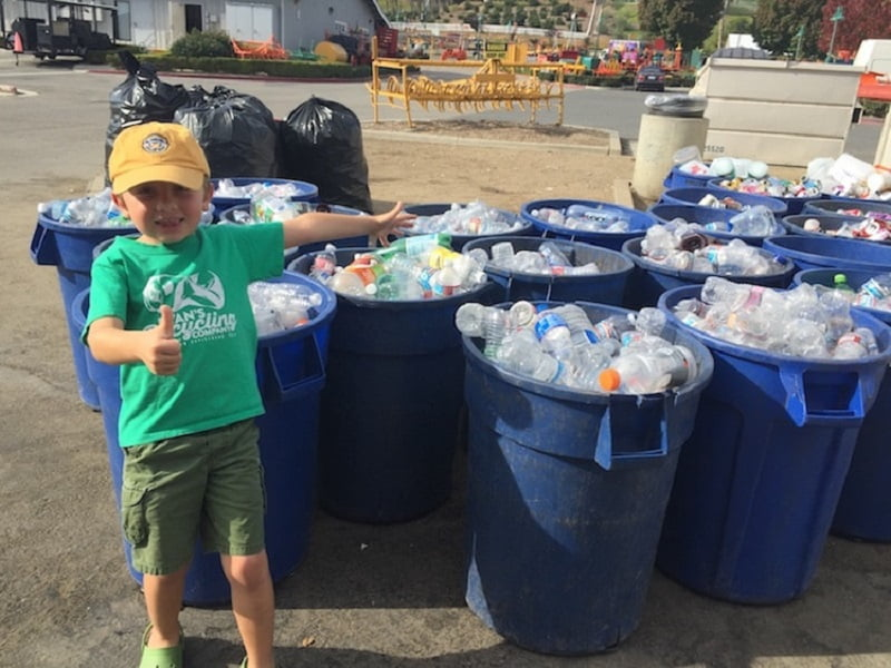 Ο 7χρονος Ryan Hickman συγκέντρωσε 10.000 δολάρια ανακυκλώνοντας
